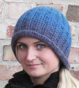 1132 Beanie crochet with rolled brim