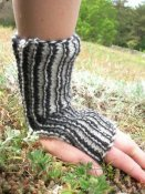 1214 Wristwarmer with thumbhole