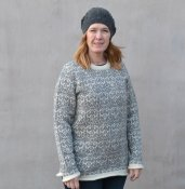 3019 - Sweater with turn of the century pattern