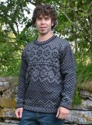 3053 - Sweater with folklore pattern