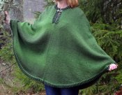 3211 - Poncho felted