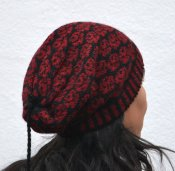 "3520 - Beanie with tassel ""Small Roses"""