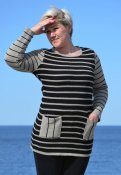 7056 - Tunic with stripes