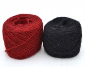 Thin yarn red black