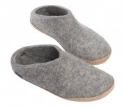 Felted slipper with leather sole
