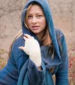 3542 - Wool scarf with hood