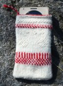Cell phone case in twined knitting