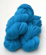Lovikka-4101 Turquoise on white wool