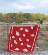 Blanket 'Leaves' 180x130 cm (Red/Light grey)
