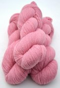 6/3-1111 Pink on white wool (90g)