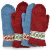 "Mittens ""Roses are red, violets are blue"" - yarn kit with pattern"