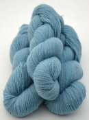 6/2-4131 Bluish Turquoise on white wool