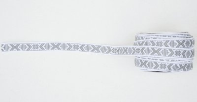 1068-22 Ribbon 'Leksand' white & grey 15 mm