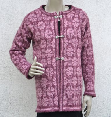 1608 Cardigan with flower pattern