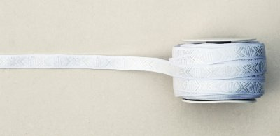 1068-9 Ribbon 'Leksand' white 15 mm
