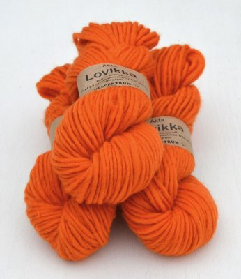Lovikka-2121 Orange på vit (90 g)