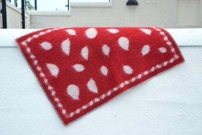 Blanket Leaves Mini 65x90 cm (Red/Light grey)