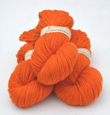 Z-2121 Orange on white wool