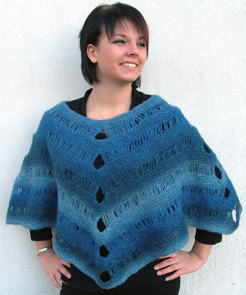 Knitting Pattern For Waterfall Scarf : 1334 Poncho ?Waterfall? - Scarves, shawls & ponchos - Patterns wool - Kni...