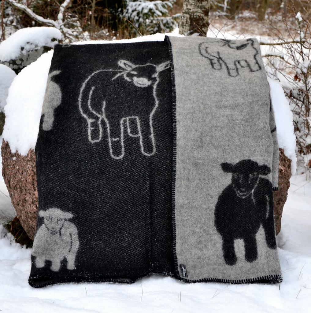 blanket sheep and lamb black grey plaids and blankets. Black Bedroom Furniture Sets. Home Design Ideas